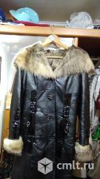 В отличном состоянии демисезонное кожаном пальто,