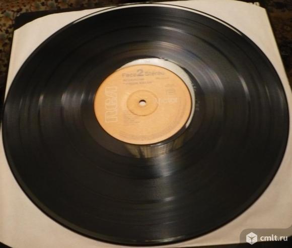 "Грампластинка (винил). Гигант [12"" LP]. Scorpions. Virgin Killer. (P) 1976 RCA Records. France.. Фото 8."