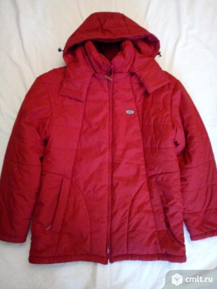 Куртка демисезонная красная, с капюшоном, холлофайбер, р