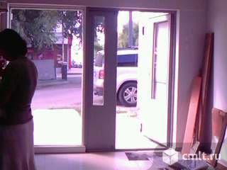 Продам входную, двойную, остеклённую дверь