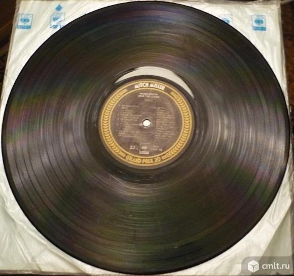 "Грампластинка (винил). Гигант [12"" LP]. Mitch Miller. Grand Prix 20. (P) 1976 CBS/Sony Inc. Japan.. Фото 8."
