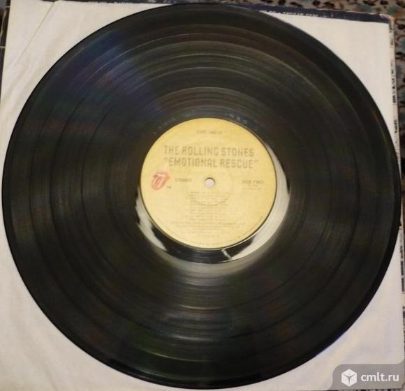 "Грампластинка (винил). Гигант [12"" LP]. The Rolling Stones. Emotional Rescue. 1980. COC 16015. USA.. Фото 8."