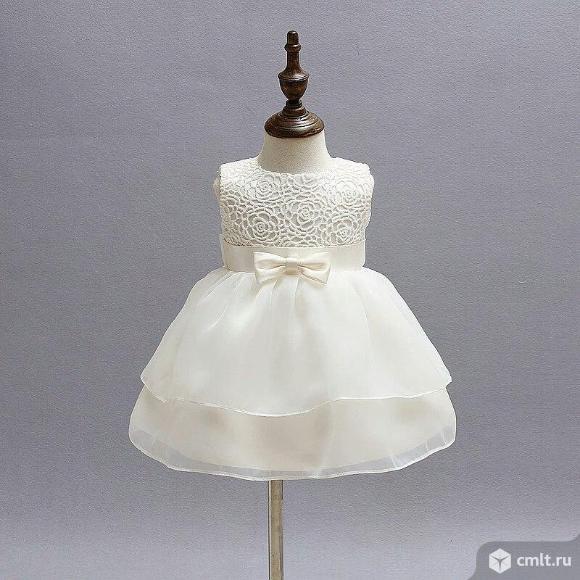 Белое платье на малышку 7-9 мес