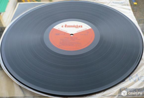 "Грампластинка (винил). Гигант [12"" LP]. Gisela May. Gisela May singt Chansons. 1965. Amiga. ГДР.. Фото 8."