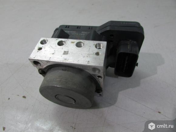 Блок ABS TOYOTA COROLLA E150 06-13 б/у 4405012210 4405012211 4.5* исправный. Фото 1.