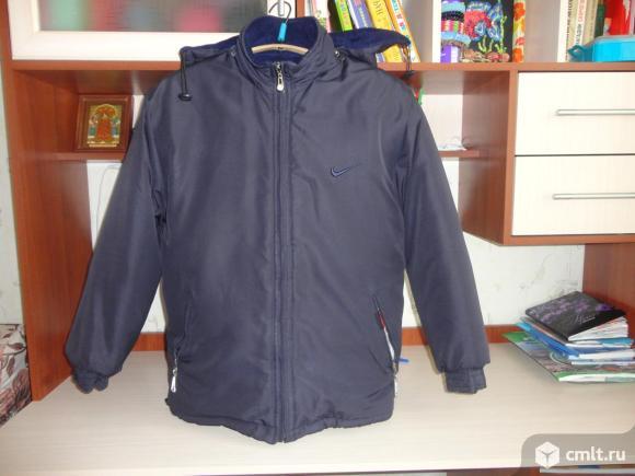 Зимняя куртка спортивного стиля