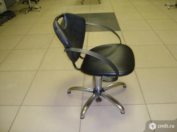 Кресло парикмахера на гидравлике