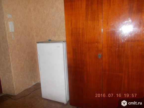 Молодогвардейцев ул. Комната, 18 кв.м, 5/5 эт., в общежитии