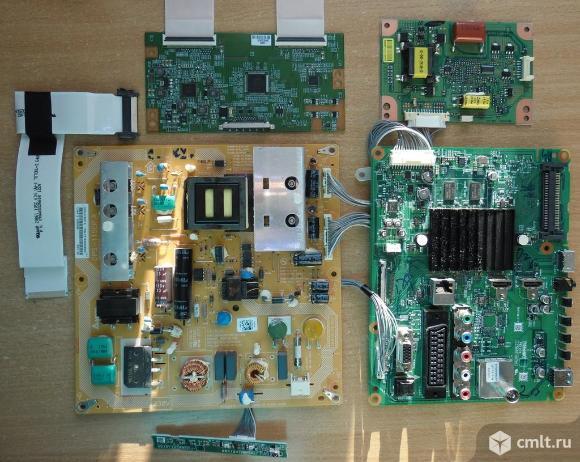 Телевизор LED Toshiba 32rl933rb на запчасти. Фото 2.