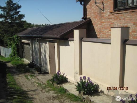 Продам: дом 216.2 кв.м. на участке 8.3 сот