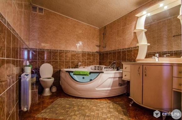 Продам: дом 2000 м2 на участке 30 сот.