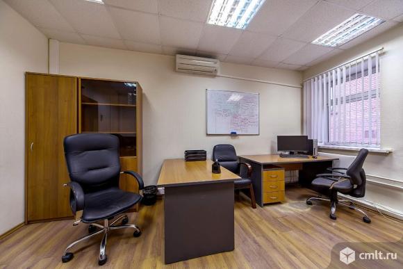 Готовый к работе офис в аренду! Без комиссии! Светлый, просторный, площадь 25 м2.