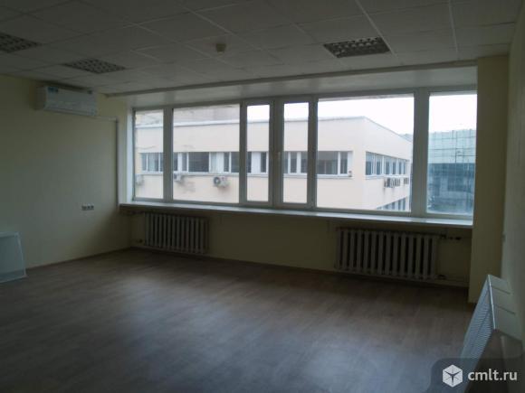 Аренда офисного помещения площадью 100.5 м2, на 3 этаже 5-этажного бизнес-парка классаB в 8 мин.