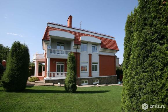 Продается: дом 535 м2 на участке 10 сот.