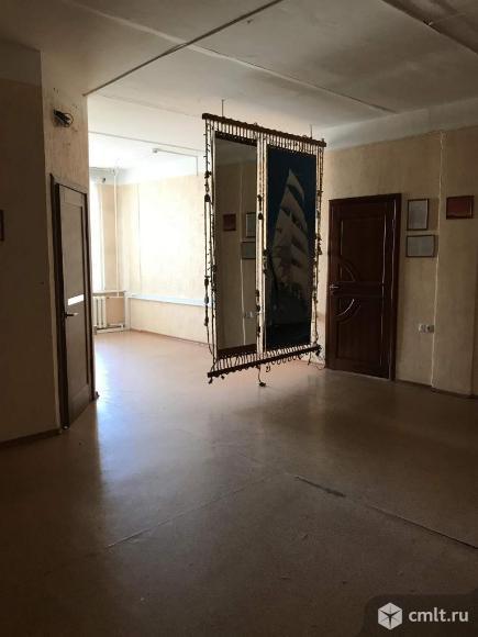 Офис площадью 77 м2, на 2 этаже 3-этажного административного здания класса C в 10 мин.