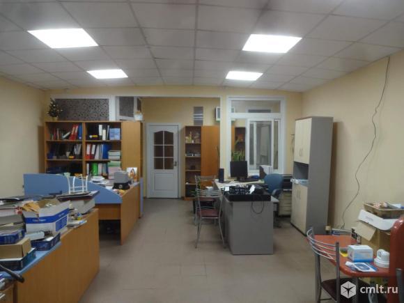 Офисно-торговое помещение 95,9 кв. м.