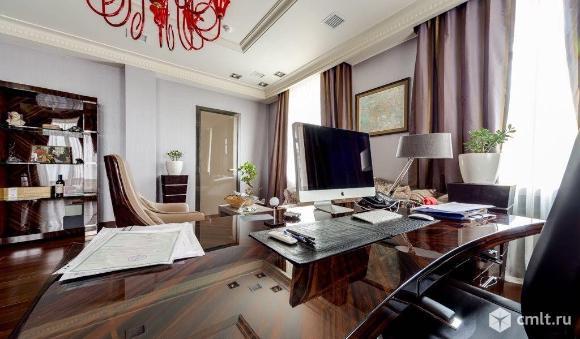 Офис площадью 380.2 кв. м, на 4 этаже 5-этажного делового центра классаA в 5 мин.