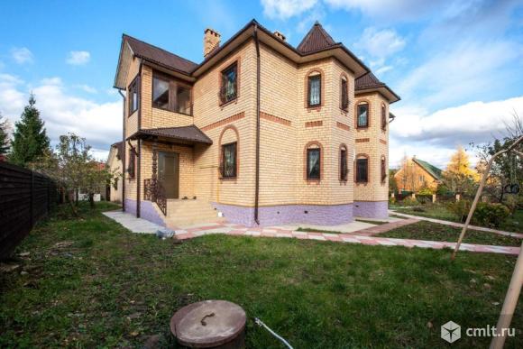 Продам: дом 262 м2 на участке 15 сот.