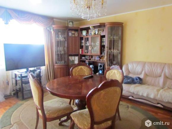 Продается 4-комнатная квартира в центре г. Чехов