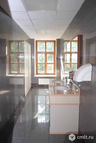 Помещение под офис площадью 220 м2, на 2 этаже 4-этажного бизнес-центра класса B, в 12 км.