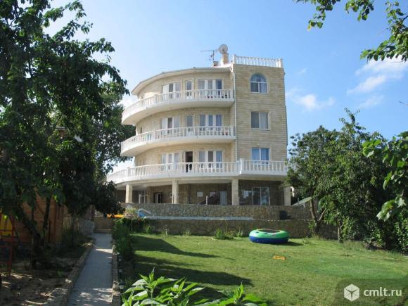 Продается: дом 570 м2 на участке 16 сот.