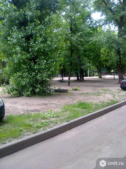 Космонавтов ул., №10. Двухкомнатная квартира, 45/30/6 кв.м
