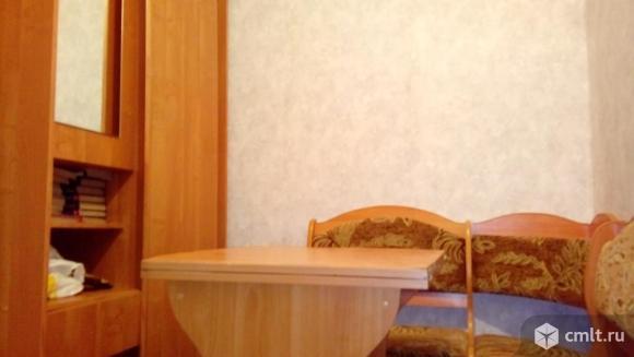 Лихачева ул. Комната, 18.8 кв.м, 4/5 эт., мини-кухня