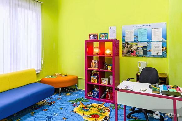 Помещение под офис площадью 57 кв. м, на 1 этаже 16-этажного жилого дома классаB в 8 мин.