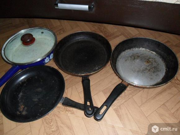 Сковоpоды 6штук,  26см + кpышка 1шт.
