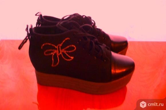 Ботинки жен. Фото 1.