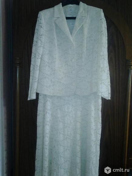 Кружевной нарядный костюм производства  Польша
