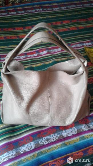 Продам кожаную сумку. Фото 1.