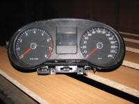 Volkswagen Polo щиток панель приборов НОМЕР  6RU920860C