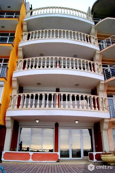 Продается: дом на берегу  430 м2 с пляжем