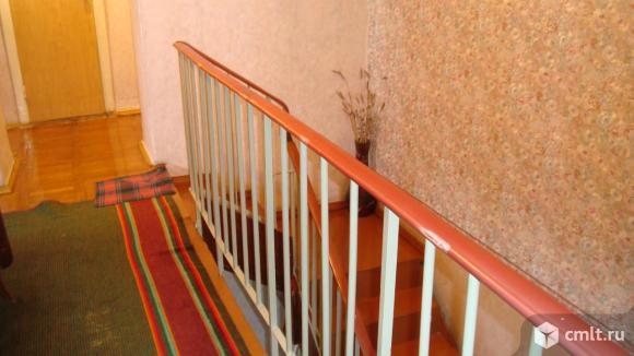 Продам 4-комнатную квартиру в двух уровнях.