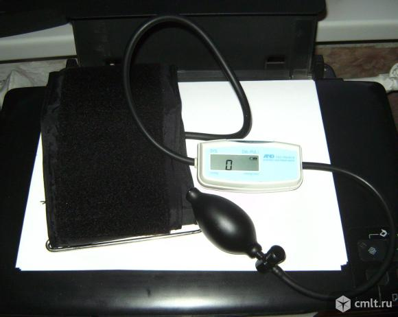 Тонометр AND полуавтоматический