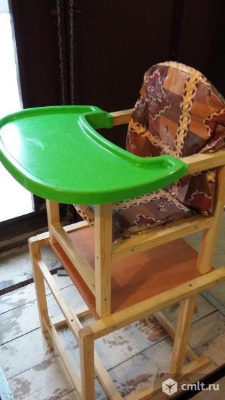 Детский стульчик со столом. Фото 1.