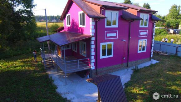 Продается: особняк 220 м2 на участке 14 сот.