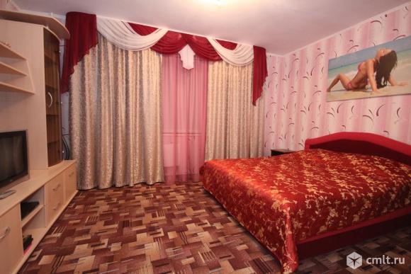 1-комнатная квартира 42 кв.м в р-не Левобережного автовокзала, р-н ВАТУ, на часы, сутки.