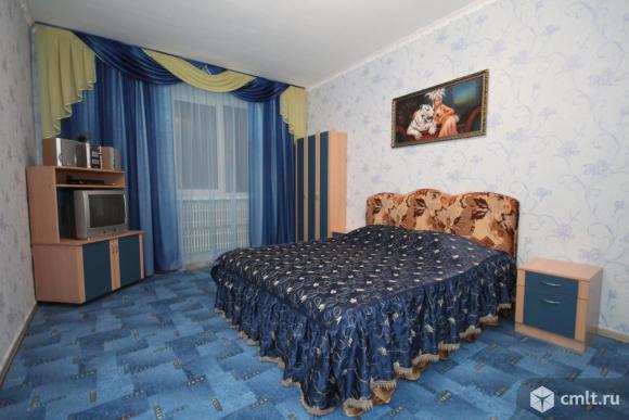 1-комнатная квартира в р-не ТЦ Линия в Северном р-не, новый дом, на часы, сутки.