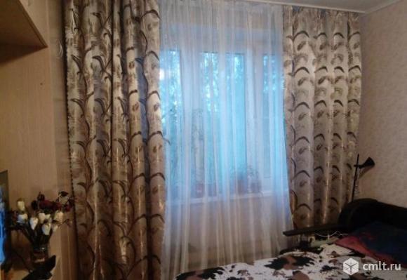 Комната 10 м2 в 3-комнатной квартире, 6/9 эт. дома
