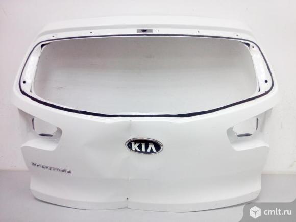 Крышка багажника KIA SPORTAGE 10- б/у 737003U010 737003W010 2*. Фото 1.
