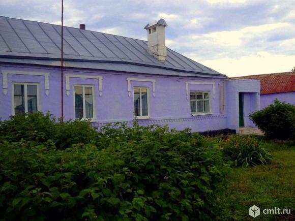 Дом с земельным участком и хоз.постройками