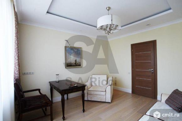 Продается 4-комн. квартира 206 кв. м