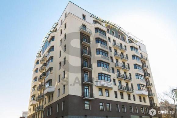 Продается 4-комн. квартира 190.6 м2, м. Полянка