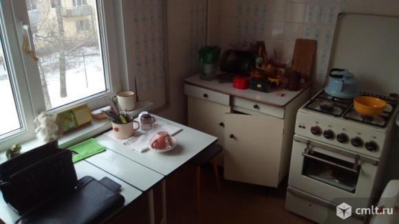 Г. Сибиряков ул., №32. Трехкомнатная квартира, 60/42/7 кв.м