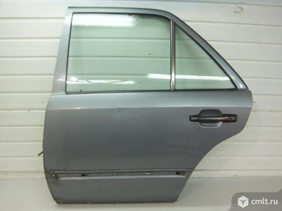 Дверь задняя левая в сборе без обшивки MERCEDES-BENZ W124 седан 84-93 б/у A1247301705   4*. Фото 1.