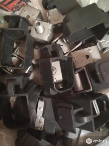 Продам стальные защелки клеммо
