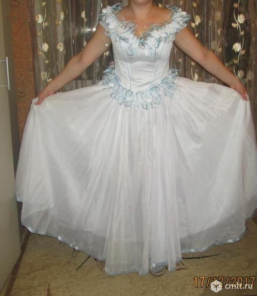 Выпускное, можно свадебное платье. Фото 1.