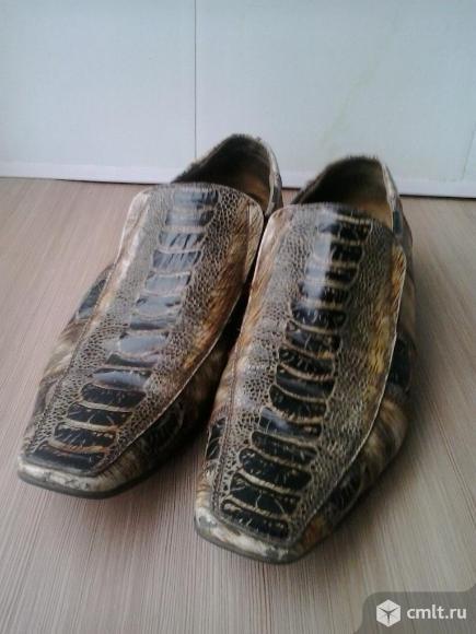 Туфли мужские с выделкой под крокодиловую кожу
